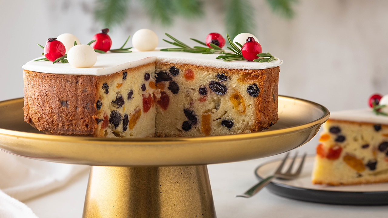 How to make a perfect fruit cake