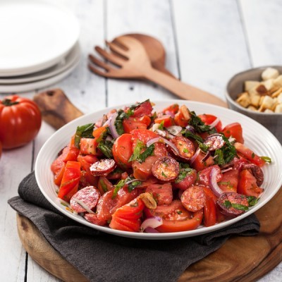 Crisp-chorizo-and-tomato-salad-with-French-dressing-B-600X600.jpg